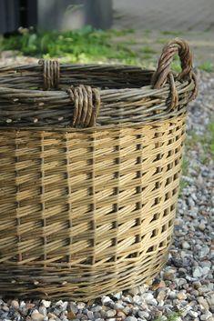 Baskets and bird feeders | Hjørnholm Pil
