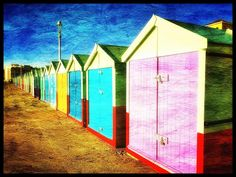 #brighton #beachhuts #todays #walk. Fantastic weather forecast for the rest of the weekend yepeeeee