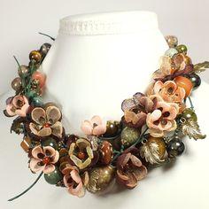 Купить Сны Лесной Реки. Колье, серьги, цветы ручной работы из ткани. - зелёный, коричневый