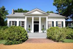 OldHouses.com - 1850 Planter's Cottage - Historic Hedge Farm in Red Banks, Mississippi