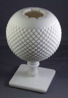Wondering about the value of milk glass? This guide will help you identify and value select milk glass pieces made by Westmoreland, Fenton, and others. Antique Dishes, Antique Lamps, Vintage Dishes, Vintage Glassware, Milk Glass Lamp, Westmoreland Glass, Art Deco Lamps, Imperial Glass, Glass Collection