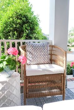Affordable porch and patio ideas this summer! Change the look of your outdoor furniture with spray paint and maximize seating in a small space. | Porch Daydreamer Resin Wicker Furniture, Brown Furniture, Outdoor Furniture Sets, Patio Chairs, Outdoor Chairs, Outdoor Decor, Decorating Small Spaces, Porch Decorating, Swing Painting