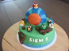 Een hele mooie Angry Birds taart, wie wil deze nu niet krijgen! Made by Liza Vos #AngryBirds