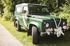 'Dora' the couples Land Rover Defender | Photography by http://www.jacksonandcophotography.com/