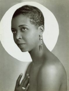 African-American blues, jazz and gospel vocalist and actress, Ethel Waters - photograph by Everett, Black Actresses, Black Actors, Black Celebrities, Classic Actresses, Hollywood Actresses, Classic Singers, Celebs, Today In History, Women In History