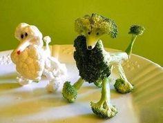 Create Party Centerpiece with Creative Food Art Designs Cute Food, Good Food, Funny Food, Fruits Decoration, Vegetable Animals, Fruit Animals, Animal Food, Veggie Art, Veggie Dogs