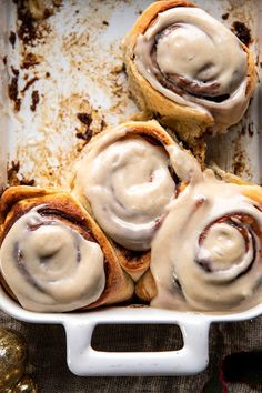 Quick and Easy Gingerbread Brioche Cinnamon Rolls.with Cinnamon Browned Butter Frosting. Just the holiday breakfast you're looking for. Köstliche Desserts, Holiday Desserts, Dessert Recipes, Plated Desserts, Brunch Recipes, Sweet Recipes, Breakfast Recipes, Half Baked Harvest, Baking Recipes