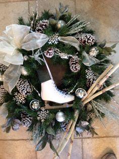 Winter skate wreath