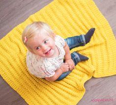 Een zacht en warm babydeken breien, voor jezelf of als kraamcadeau? Ga aan de slag met het gratis breipatroon van Wolplein!