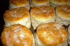 Peggy's Southern Style Buttermilk Biscuits _ One of Mama Peggy's most sought-after recipes. Everyone who knew Peggy Chaney still talks about her Southern style buttermilk biscuits! Breakfast And Brunch, Breakfast Recipes, Recipes Dinner, Southern Buttermilk Biscuits, Blueberry Biscuits, Buttermilk Bisquits, Flakey Biscuits, Mayonaise Biscuits, Oatmeal Biscuits