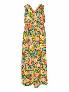 Maxi dress from JUNAROSE. The perfect summer dress with beautiful print. #junarose #maxidress #fashion #summer #plussize