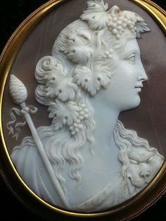 NO RESERVE Huge Beautiful Museum Quality Victorian Bacchante Cameo 15k Brooch