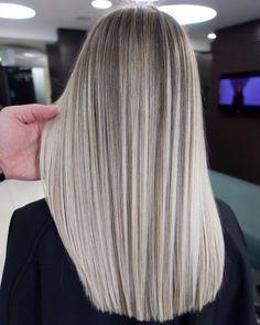 Blonde Hair Looks, Ash Blonde Hair, Platinum Blonde Hair, Blonde Brunette, Hair Color For Women, Cool Hair Color, Hair Colors, Trendy Hairstyles, Straight Hairstyles