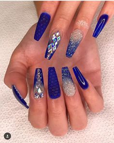Try some of these designs and give your nails a quick makeover, gallery of unique nail art designs for any season. The best images and creative ideas for your nails. Blue And Silver Nails, Dark Blue Nails, Blue Ombre Nails, Blue Coffin Nails, Blue Acrylic Nails, White Nails, Cobalt Blue Nails, Rhinestone Nails, Bling Nails
