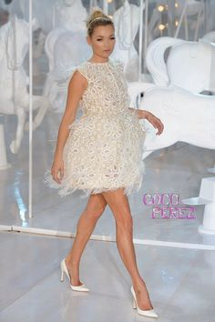 Kate Moss for Louis Vuitton 12 Kate Moss, Louis Vuitton, Runway Fashion, Womens Fashion, Celebs, Celebrities, Formal Dresses, Wedding Dresses, Frocks