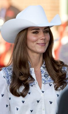 07.07.2011 Catherine, Duchess of Cambridge watches a rodeo demonstration at a Government Reception at the BMO