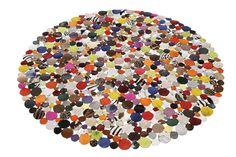 KARE Design Teppich Circle Multi 150 in Kreisform aus Echtleder mit bunten Kuhfellkreisen im Flickenlook, mit einer Rückseite aus Wildleder. Erhältlich in verschiedenen Größen. #KARE #KAREDesign