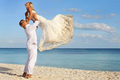 Jenny and Bradley rocked out their beach trash the dress session in the Riviera Maya, Mexico.   Wedding photographers Del Sol Photography