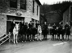 Est 1935 by WPA, the Pack Horse Library Project provided reading materials to rural portions of eastern KY w no access to public library facilities. Librarians on horses or mules traveled 50-80 mi a week up rocky creekbeds, along muddy footpaths...to deliver reading materials to the most remote residences & schools in the mountains. Some homes were so remote that they often had to go part of the way on foot, or even by rowboat…