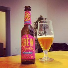 Crew Republic In Your Face West Coast IPA #craftbier #craftbeer #kiel #münchen #crewrepublic #ipa #indiapaleale #westcoast  #beerporn #instabeer #beerstagram #beerlove #craftbeerkiel #craftbeerlife #craftbeerporn #cheers