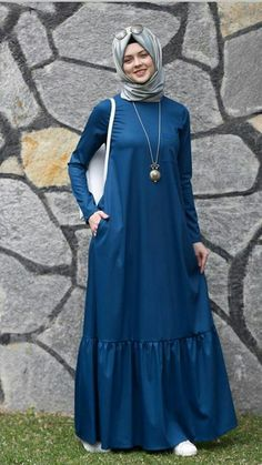 Ideas dress simple hijab abayas for 2019 – Hijab Fashion 2020 Abaya Fashion, Modest Fashion, Fashion Outfits, Fashion Fashion, Muslim Women Fashion, Islamic Fashion, Simple Hijab, Muslim Dress, Islamic Clothing