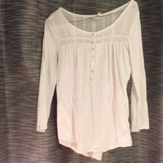 L.O.G.G. H&M white shirt Love this shirt but not a great fit on me anymore! 3/4 length sleeves, gently used, great condition! Very small black dot on left sleeve. Tops Tees - Long Sleeve
