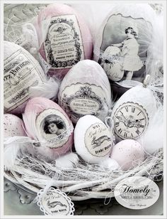 Just look at these gorgeous easter eggs. someone had a lot of fun making them! I love that vintage/art deco look, brilliant! Easter Egg Crafts, Easter Eggs, Easter Decor, Easter Parade, Egg Art, Egg Decorating, Vintage Easter, Spring Crafts, Happy Easter