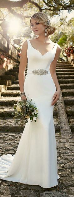 Love the sculpted look of the straight forward line ... no ruffles... no lace.... gorgeous