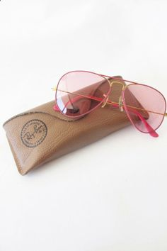 Wow, the latest super beautiful 2014 Ray-Ban sunglasses, low discount price, and quickly bring it home! 80s Womens Fashion, New Look Fashion, Fashion Wear, Latest Fashion For Women, Cheap Fashion, Fashion Dresses, Italian Women Style, French Women Style, Fashion Sandals