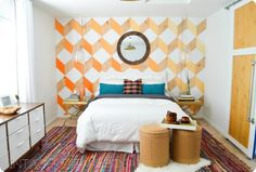 i love this room. do i dare order 6 rugs and try this project for my room? // Chindi-licious: How To Make A HUGE Rug Out of 6 Smaller Ones - Vintage Revivals Big Rugs, Large Rugs, Small Rugs, Rug Placement, Diy Rangement, Design Studio, My New Room, Interior Design Inspiration, Decoration