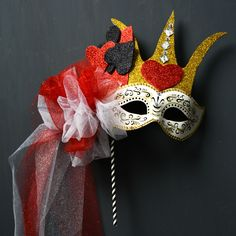 Queen of Hearts mask - Halloween costume - simple quick easy costume for adults or kids - cute Halloween masks