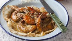 Prawn curry served on pancakes Prawn Curry, Outdoor Food, Mille Crepe, Crepes, Chicken Wings, Dutch, Pancakes, African, Dishes