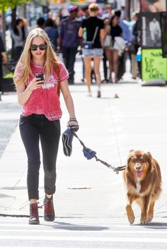 Amanda Seyfried goes for a walk with dog Finn in New York City [September 19, 2012] - amanda-seyfried Photo