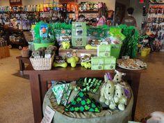 St patricks day pet shop display