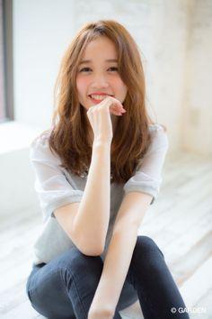 『joemi』黒髪OK無造作崩れウェーブスタイル♪(赤井希望) | GARDEN HAIR CATALOG | 原宿 表参道 銀座 美容室 ヘアサロン ガーデン