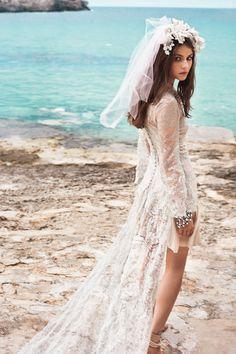 Editorial de moda junto al mar de Vogue Novias: Ninfa marina | Galería de fotos 3 de 8 | Vogue