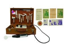 1950 - Une valise de vibro-massages pour femme, collection privée © Solo-Mâtine Collection, Suitcase, Furniture, Woman