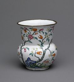 fashionsfromhistory:  Vase Late 1700s-Early 1800s China
