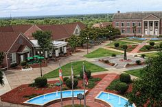 Most college campuses all over the United States are breath-taking beautiful. They are nature campuses with lovely scenery, fountains, bridges, monuments, and buildings. Dental Plans, College Campus, Southern Belle, Life Goals, Picture Video, How To Become, Sweet Home, Heaven, Mansions