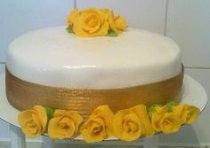 Golden yellow rose cake