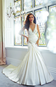 Sophia Tolli Fall 2014 Bridal Collection is an array of drop-dead gorgeous wedding dresses for every type of bride. Find the bridal gown of your dreams! Wedding Dresses 2014, Stunning Wedding Dresses, Wedding Attire, Bridal Dresses, Beautiful Dresses, Wedding Gowns, Wedding Blog, Pageant Dresses, Wedding Vendors