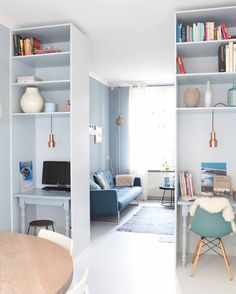 excellent idea with desks for when you walk in Garage Living Room Grey, Home Living Room, Living Room Interior, Interior Design Living Room, Diy Bookshelf Plans, Girl Bedroom Designs, Home Decor Trends, Interior Inspiration, Diy Bedroom Decor