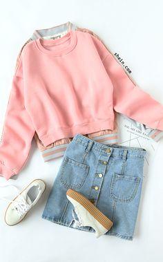 Cozy fall style-Crop sweatshirt & bomber jacket.