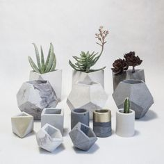 Dwelling Style Floor Strategy - How To Purchase A Home Layout Flooring Approach? 19 Etsy Shops To Boost Your Home's Cool Factor My Goal Is To Make This List Someday. These Adorable Concrete Geometric Stylish Vases Would Look Great In Any Home Geometric Decor, Geometric Wedding, Concrete Projects, Concrete Design, Diy Flowers, Flower Pots, Flower Vases, Best Decor, Wooden Vase