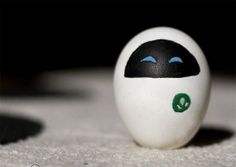 "Easter egg decorating alternatives: EVE from ""WALL-E"" Funny Easter Eggs, Disney Easter Eggs, Funny Eggs, Easter Bunny, Happy Easter, Wall E, Egg Photo, Cute Egg, Easter Egg Designs"