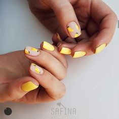 What will be fashionable in America in august 2019 — Marie's Looks Short Nail Designs, Fall Nail Designs, Cute Nails, Pretty Nails, Nails Ideias, Lemon Nails, Nail Ring, Minimalist Nails, Sparkle Nails
