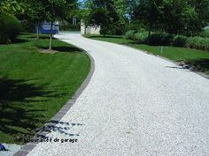 Ideas For Front Garden Driveway Lawn Stone Driveway, Gravel Driveway, Driveway Landscaping, Front Garden Ideas Driveway, Tree Lined Driveway, Rose Garden Design, Backyard Layout, Rustic Pergola, Lawn And Landscape