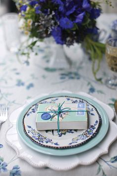 A Lovely Thyme - Indigo and verde foral place setting