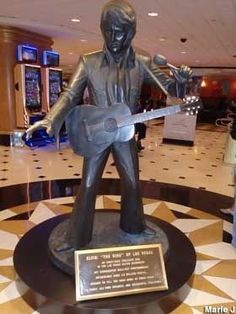 Las Vegas, NV - Statue of Elvis