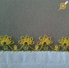 This Pin was discovered by Şöh Crochet Borders, Crochet Flower Patterns, Lace Patterns, Baby Knitting Patterns, Needle Tatting, Tatting Lace, Needle Lace, Crochet Unique, Crochet Lace
